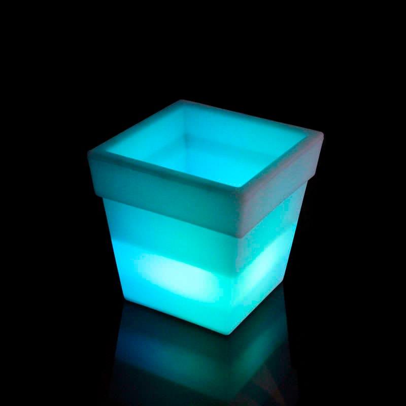 Led cube planter KVADRAT